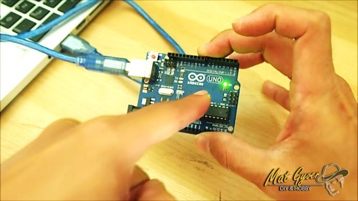 Lampu Arduino menyala.jpg